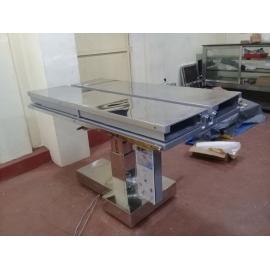 Semi Automatic Veterinary Table